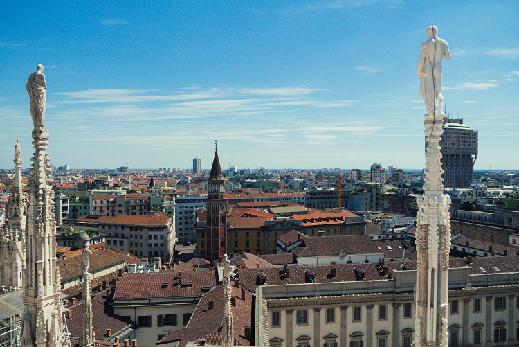 How to avoid the crowds at Milan Duomo   Kat is Travelling