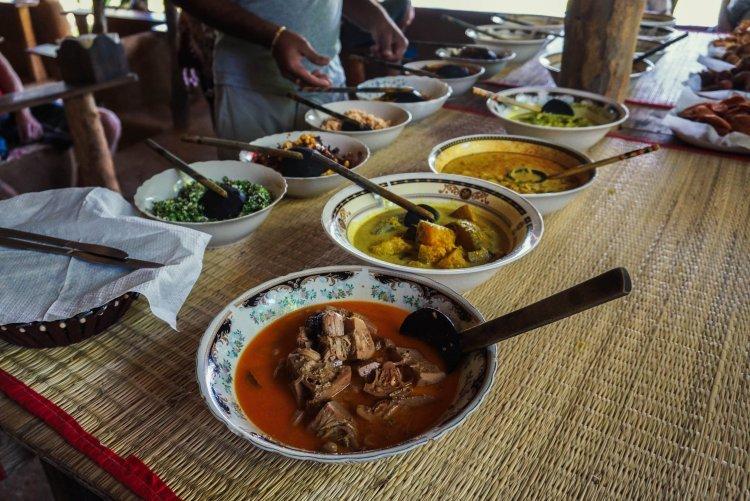 Image of Sri Lankan food buffet