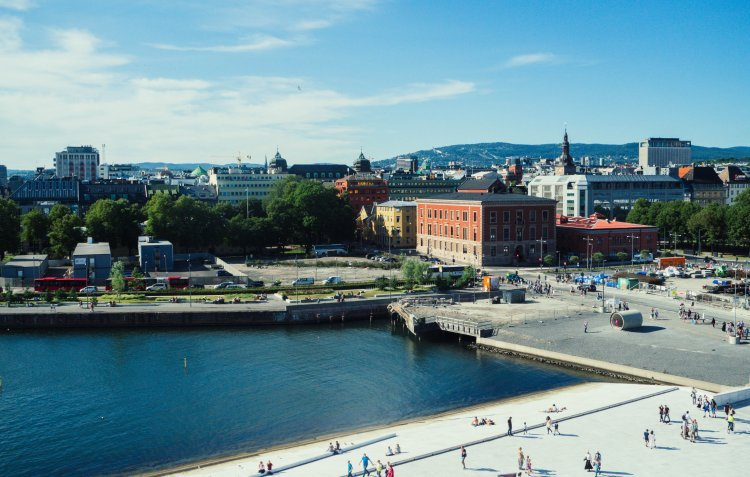 Image of the view over the city of Oslo from the roof of Oslo Opera House